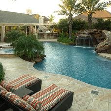 Tropical Pool by Vollmer Custom Pools LLC