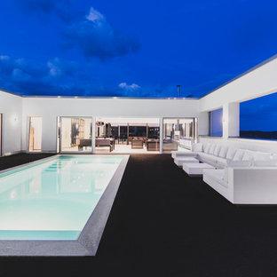 Großer Moderner Pool in Sonstige