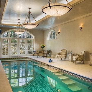 Diseño de piscina clásica interior