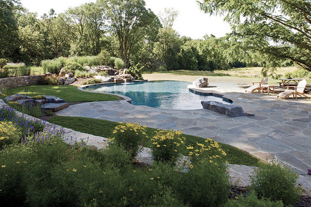 Traditional Pool by Penza Bailey Architects