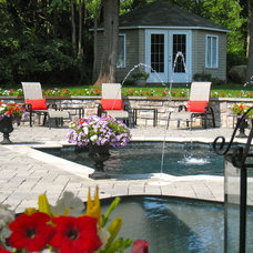 Traditional Pool by Maureen Fiori, AKBD, Allied Member ASID, CAPS