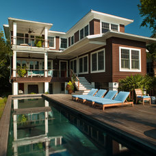 Traditional Deck by Rosenblum Coe Architects