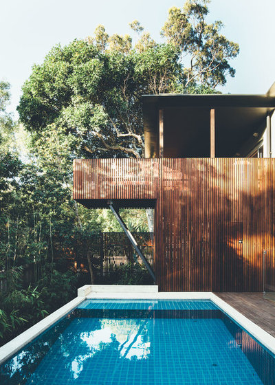 Contemporary Pool by Teeland Architects
