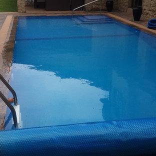 Modelo de piscina costera, tipo riñón, en azotea