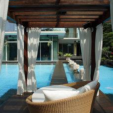 Tropical Pool by Iwan Sastrawiguna Interior Design