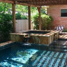 Swimming Pool Oasis With Custom Pergola - Kolonialstil ...