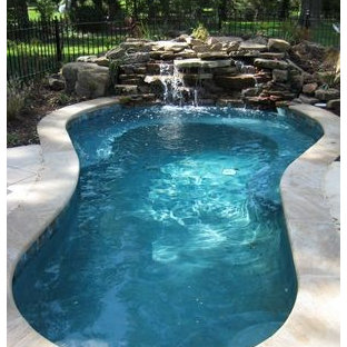 Example of a classic pool design in Kansas City