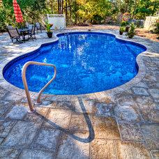 Traditional Pool by Big Kahuna Pools, Spas, and More Inc