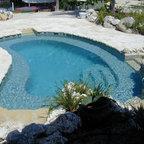 Pool pool house modern pool burlington by wagner for 305 salon tavernier