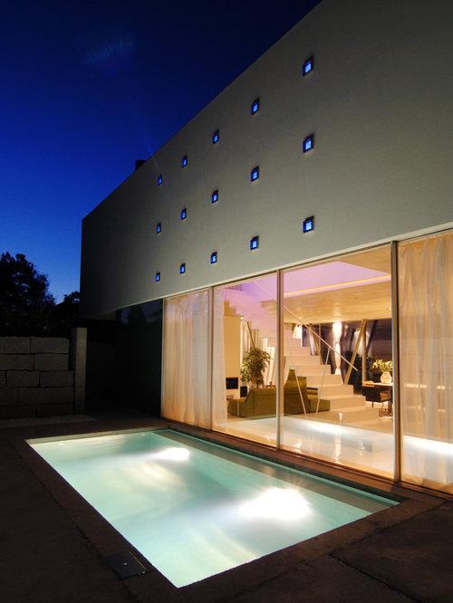 ideen fr mittelgroe moderne lap pools neben dem haus in rechteckiger form mit betonplatten in - Pool Design Ideen Bilder