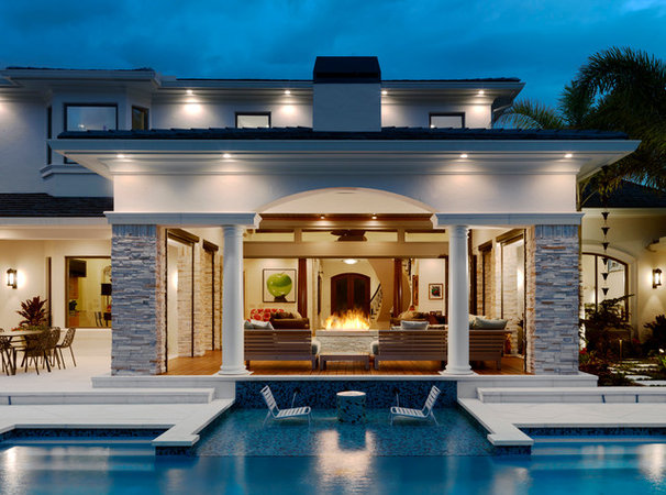 Contemporary Pool by The Fechtel Company