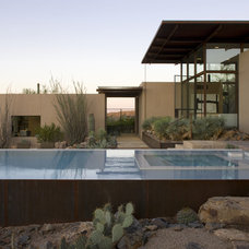 Modern Pool by the construction zone, ltd.