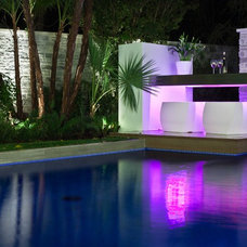 Modern Pool by Phil Kean Design Group