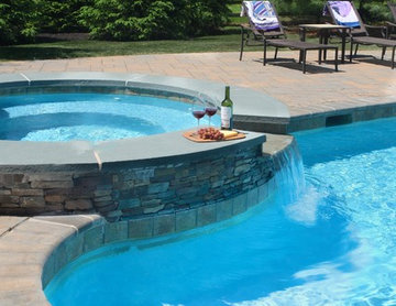 The Relaxation Free-form Pool & Spa
