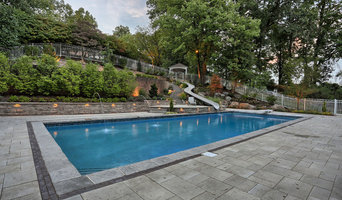 THE TERRACED POOLSIDE