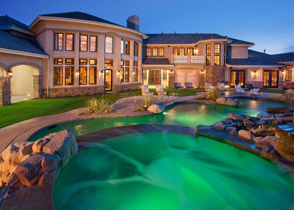 Traditional Pool by Toblesky-Green Architects