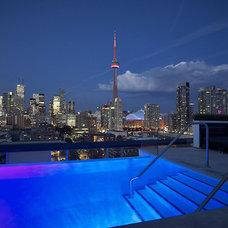 Contemporary Pool by Metroviews