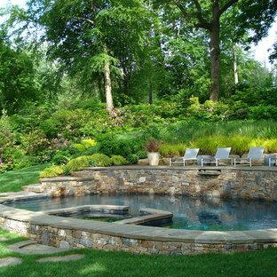 Foto di una piscina tradizionale rotonda