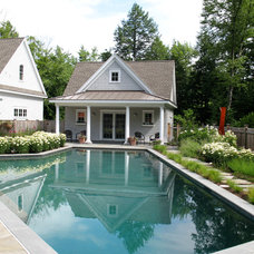 Traditional Pool by Pellettieri Associates