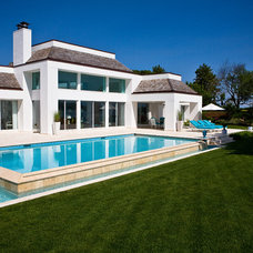 Modern Pool by Gibbons Pools Inc.