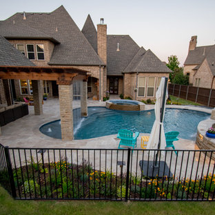 Transitional Curved Cool Pool with Amazing Water Features