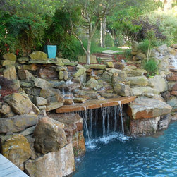 Swimming pool design ideas pictures remodel and decor for Pool show discovery