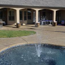 Tropical Pool by Vineyard Pools