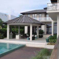 Tropical Pool by B Pila Design Studio