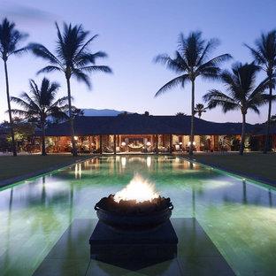 Ejemplo de piscina tropical, grande, rectangular