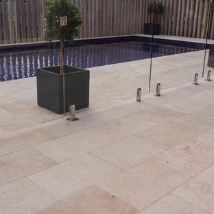 Tumbled and unfilled Travertine
