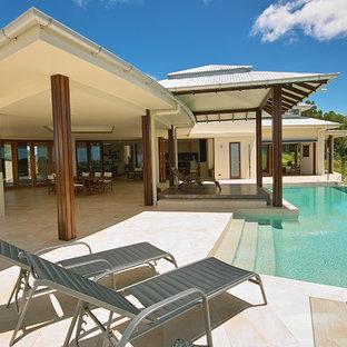 Diseño de piscina infinita tropical