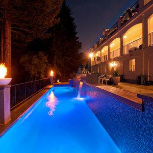 サンフランシスコのコンテンポラリースタイルのおしゃれな競泳用プールの写真