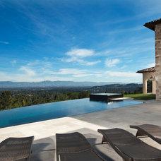 Mediterranean Pool by Maggetti Construction Inc.