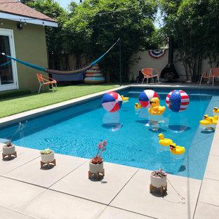 Idee per una piscina contemporanea rettangolare di medie dimensioni e dietro casa con paesaggistica bordo piscina e pedane