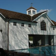 Traditional Pool by Miana Properties, LLC