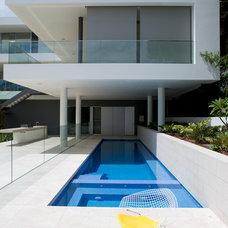 Modern Pool by Horizon Habitats