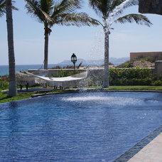 Mediterranean Pool by DIAZ DE LUNA SIGNATURE
