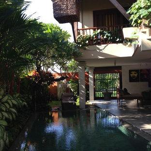 Foto de piscina de estilo zen pequeña