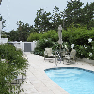 Inspiration for a contemporary round pool remodel in Philadelphia