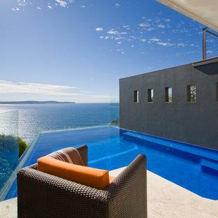 Ejemplo de piscina infinita moderna
