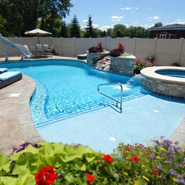 Wheeling, IL Freeform Swimming Pool and Hot Tub