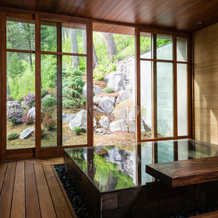 Diseño de piscinas y jacuzzis actuales con entablado