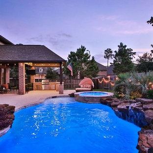 Diseño de piscinas y jacuzzis naturales, exóticos, grandes, a medida, en patio trasero, con adoquines de hormigón