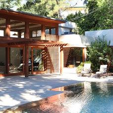 Contemporary Pool by Studio William Hefner