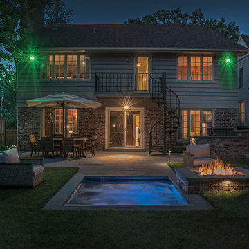 Winnetka, IL Hot Tub with Automatic Cover and Fire Pit