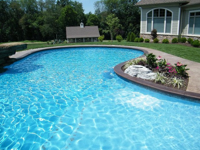 Traditional Pool by World Class Pools