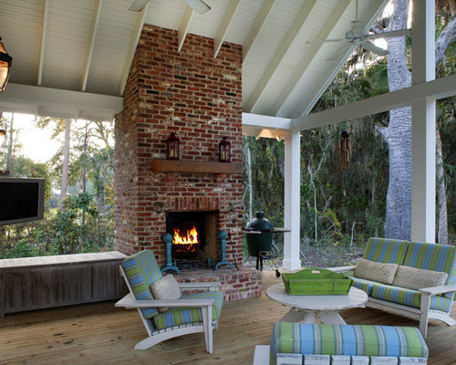 Browse 240 photos of Outdoor Brick Fireplace. Find ideas and inspiration for Outdoor Brick Fireplace to add to your own home.