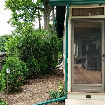 3 Season Screened Porch Addition / Ann Arbor: Highland Road
