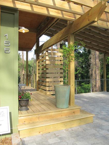 Modern Patio by Bork Design, Inc.