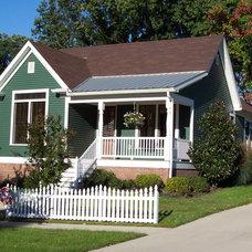 Farmhouse Porch by O'Rourke &Associates, Inc.